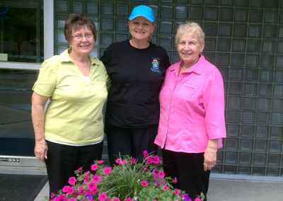 Auxiliary supports the Communities in Bloom – Nettie Stupnikoff, Darlene Kalawsky and Polly Chernoff